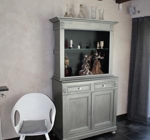 customisation d'un meuble ancien avec une patine argentée