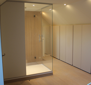 vue dressing et accès salle de bain
