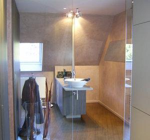 accès salle de bain par le dressing de Madame
