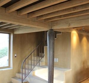 argile dans la montée d'escalier